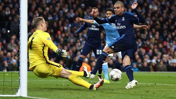 La parata decisiva di Hart su Pepe. Fonte: Getty Images.