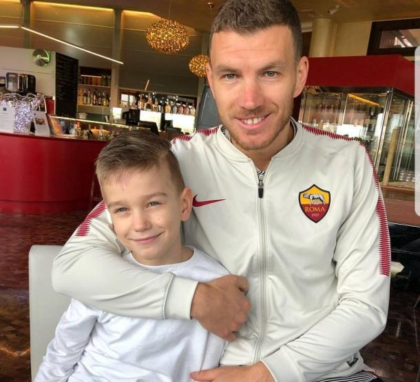 Dzeko junto a su hijo / Foto: Roma