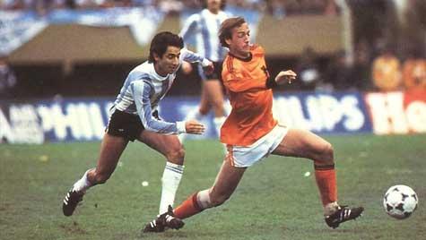 Neeskens perdería su segundo mundial poco después de aquel Rayo-Barça | the100.rul