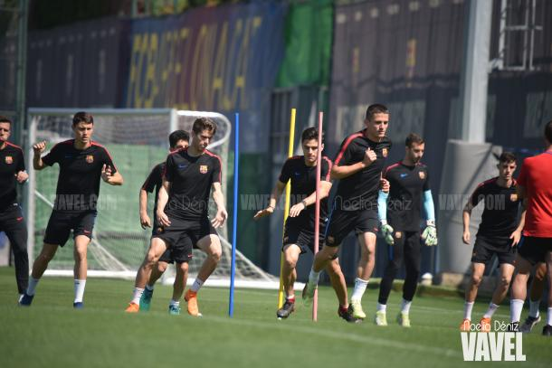 El filial azulgrana entrenando en la Ciutat Esportiva Joan Gamper | Foto de Noelia Déniz, VAVEL