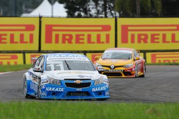 Nonô Figueiredo (Chevrolet) e Gabriel Casagrande (Renault) lideram a tabela  (Fábio Davini/VICAR)