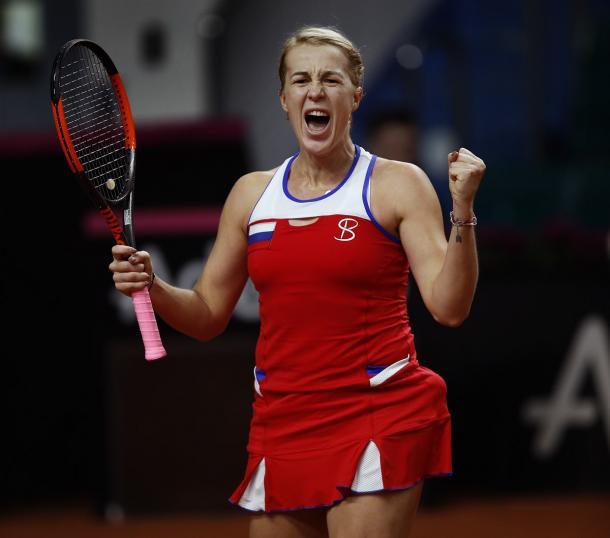 Anastasia Pavlyuchenkova celebrates earning the pivotal point for Russia | Photo: Sergey Kivrin / Fed Cup