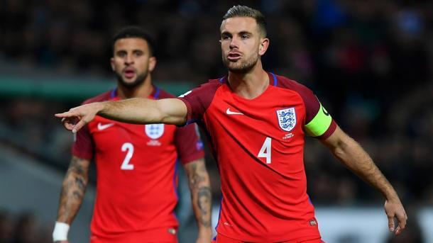 Kyle Walker y Jordan Henderson. Fuente: Fifa.com