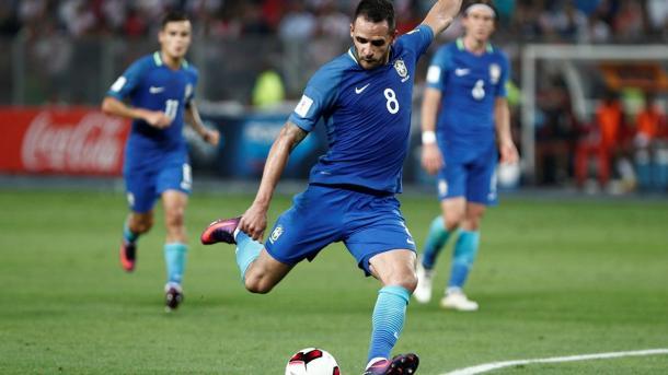Renato Augusto in azione. | Fonte immagine: Fifa.com