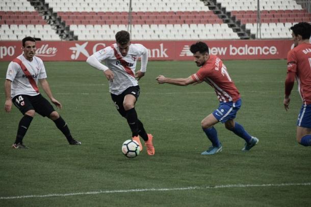 Partido Sevilla Atlético-Sporting de Gijón . Foto vía Miguel Guerrero