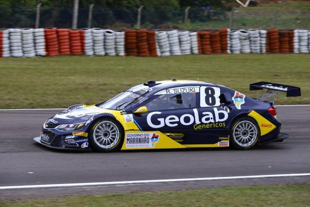 Piloto corre com o Stock #8 da equipe Geolab Racing)