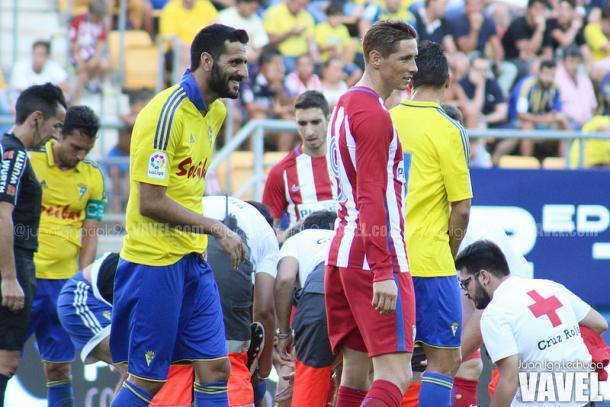 Güiza, durante el último Trofeo Carranza, junto a otro reconocido internacional español, el atlético Fernando Torres | Foto: Juan Ignacio Lechuga (VAVEL)