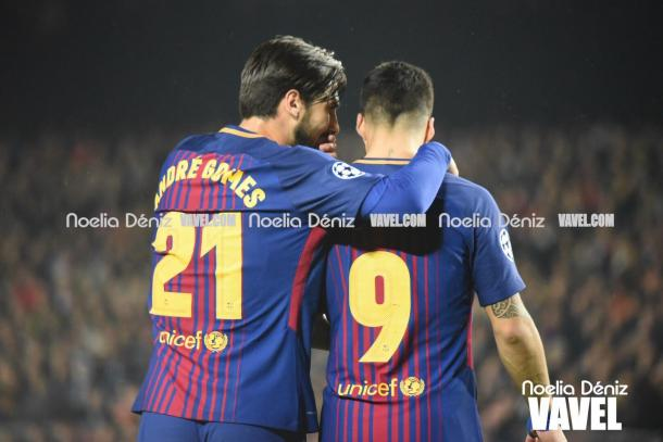 André Gomes recibió el cariño del Camp Nou. | Fotografía: Noelia Déniz (VAVEL.com)