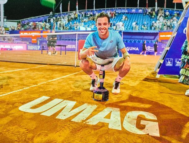 Marco Cecchinato celebrates his second clay court title of the year. Photo: Croatia Open