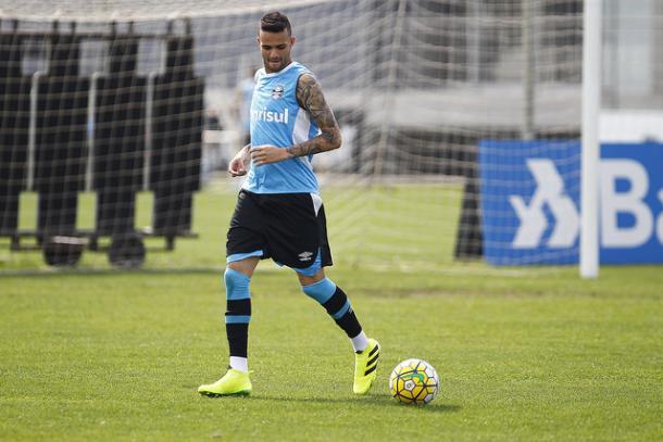 Carrasco, Luan marcou quatro gols nos últimos três jogos diante do Galo (Foto: Divulgação/Grêmio