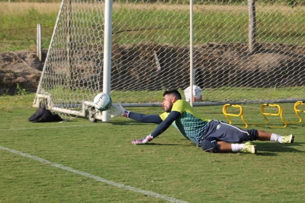 Rodolpho pode ganhar nova oportunidade com possível lesão de Júlio César (Foto: Léo Lemos/Náutico)