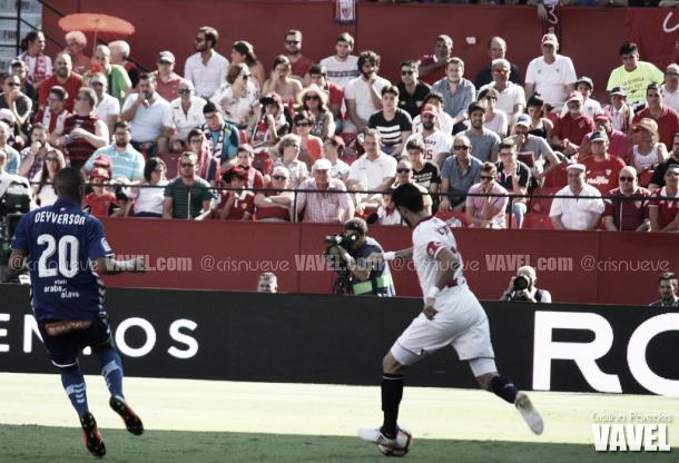 Deyverson, en el encuentro de su equipo ante el Sevilla | Foto: VAVEL