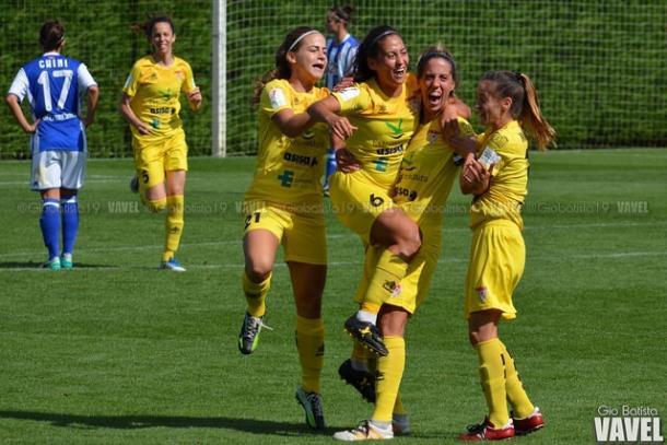 La jugadoras del Santa Teresa celebrando el gol anotado en Zubieta. Foto: Giovanni Batista (VAVEL)