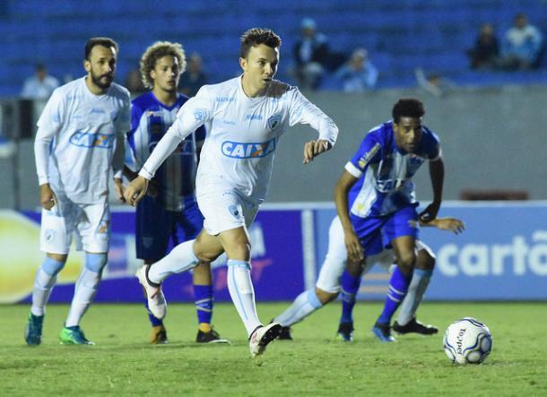 Dagoberto marcou em seu retorno, mas não foi suficiente (Foto: Gustavo Oliveira/ Londrina EC)