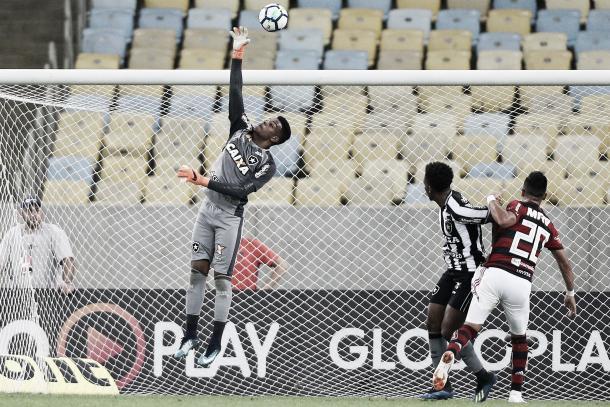 Saulo entrou no primeiro tempo do clássico contra o Flamengo. Foto: Vitor Silva/SS Press/Botafogo