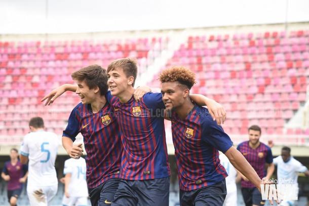 Los jugadores del Juvenil A celebrando un gol ante el PSV   Foto: Noelia Déniz (VAVEL)