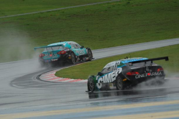 Na volta final, por um erro de Fraga, Barrichello conseguiu certa distância (Fábio Davini/VICAR)