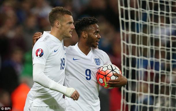 Sterling and Vardy celebrate scoring against Estonia (source BPI)