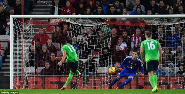 Pantilimon couldn't stop Tadic's decisive penalty. | Photo: Getty