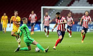 Carrasco marcando el gol del triunfo en el último enfrentamiento entre ambos conjuntos. /Twitter: Atlético de Madrid oficial