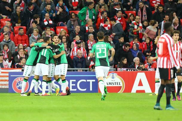 Los jugadores del Sassuolo celebran uno de los dos goles al Athletic. / Foto: sassuolocalcio.it