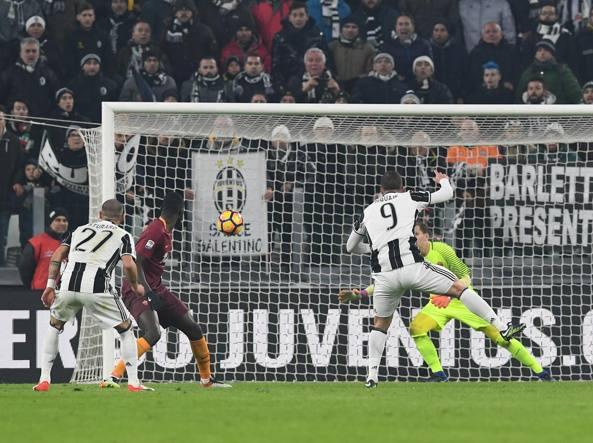 Roma-Juventus 3-1: 5 minuti di recupero all'Olimpico LIVE e FOTO