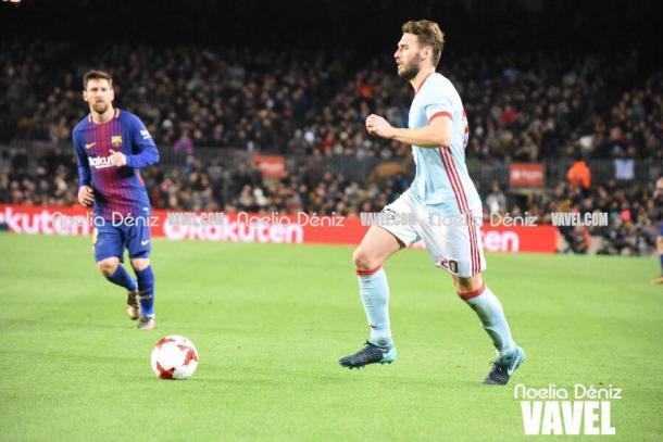 Sergi Gómez, jugando ante el Barça | Foto: Noelia Déniz - VAVEL