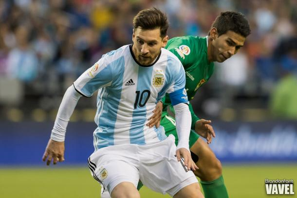 Argentina forward Lionel Messi (#10, left) excited the crowd with an array of dribbling moves on Tuesday   Brandon Farris -VAVEL USA
