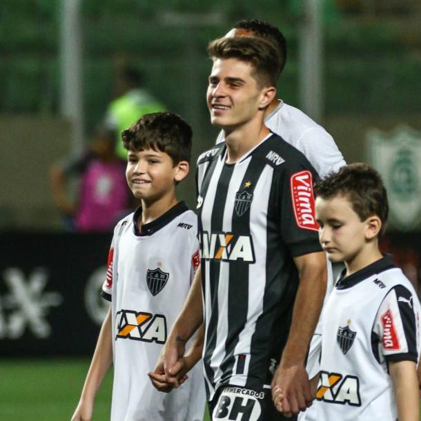 Felicidade estampada no rosto de quem debutava pelo time profissional do Atlético-MG (Foto: Bruno Cantini/Atlético-MG)