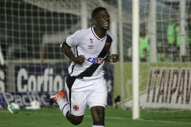 Thalles deixa o Cruzmaltino em vantagem na única chance criada (Foto: Paulo Fernandes/Vasco.com.br)