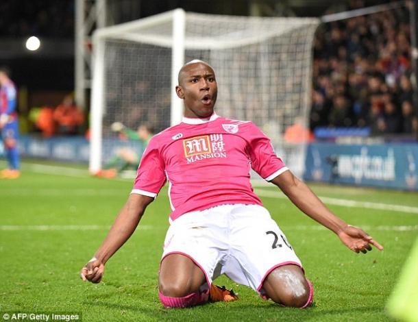 Afobe celebrando un gol con los Cherries. Foto: Getty Images