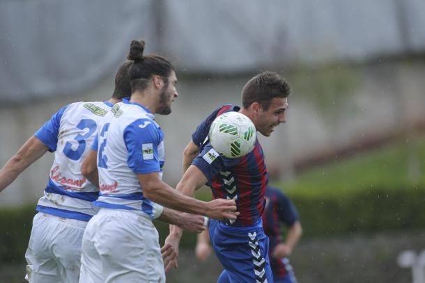 Mario Roque fue clave para la reacción azulgrana | Foto: CF Gavà