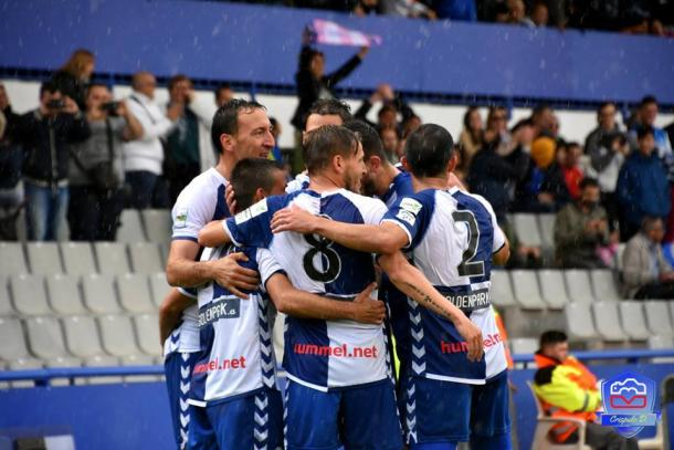 El Sabadell celebrando un gol | Foto: Crispulo Díaz - CE Sabadell
