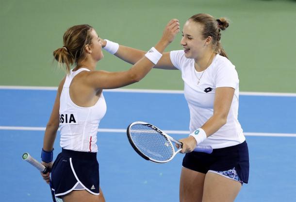 Anna Blinkova and Anna Kalinskaya helped Russia avoid the huge upset | Photo: Robert Ghement