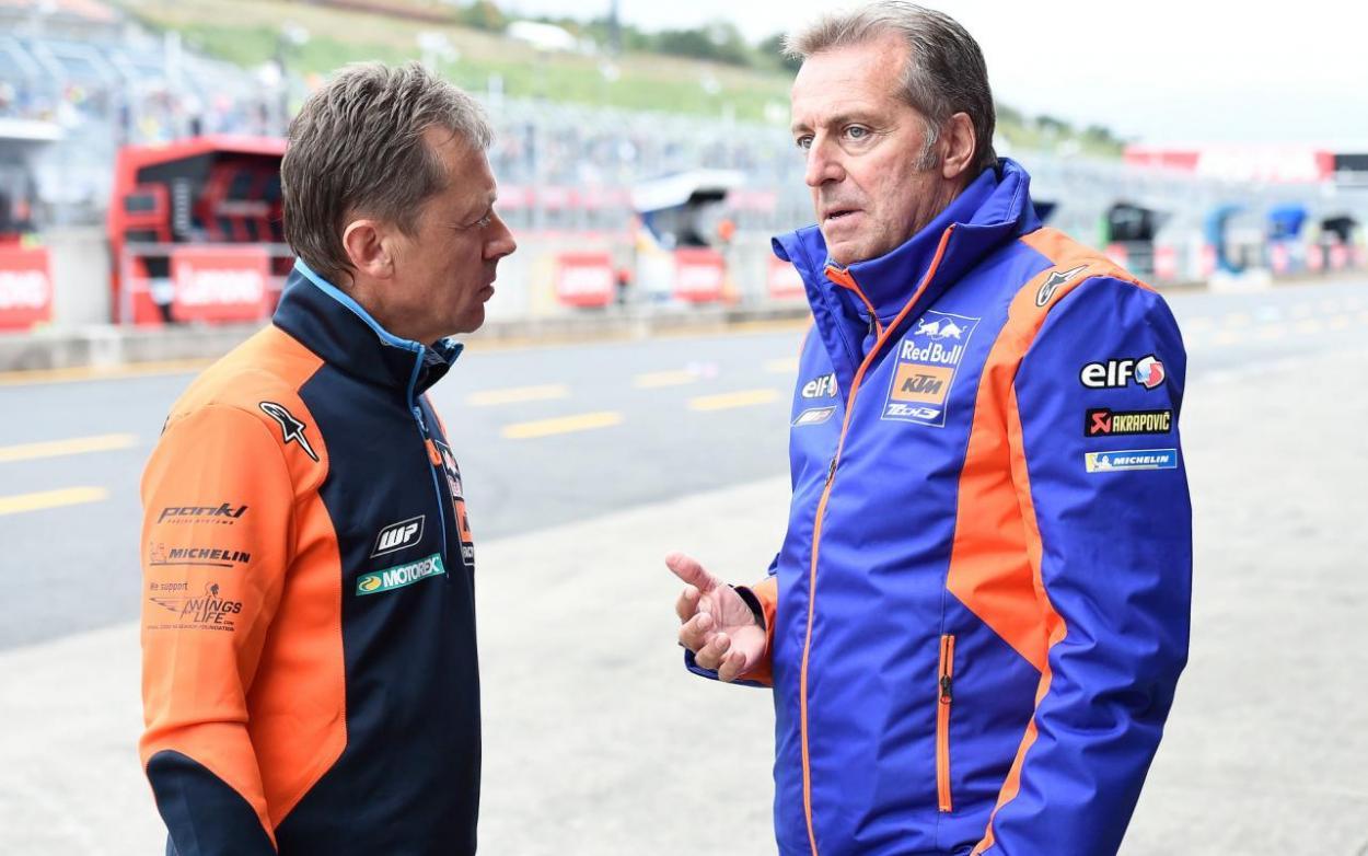 Hervé Poncharal (derecha) junto a Mike Leitner (izquierda). Imagen: MotoGP