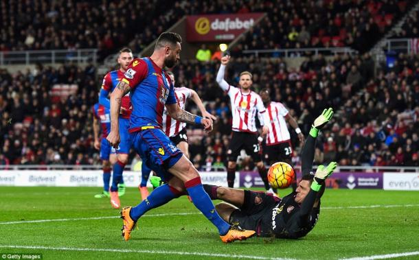 Mannone was called into action far too often on Tuesday night. | Photo: Getty