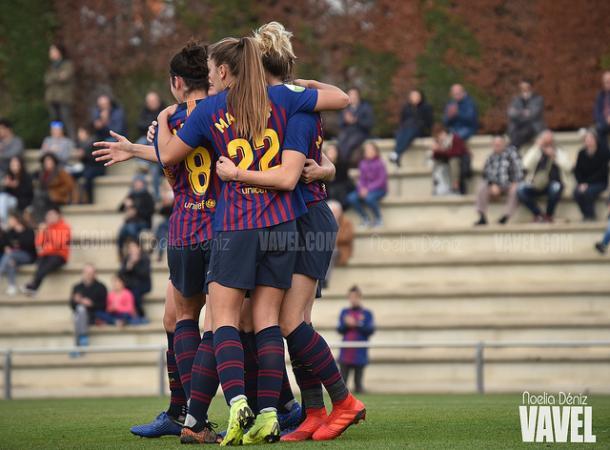 Las jugadoras del Barcelona celebrando un gol ante el Logroño | Foto: Noelia Déniz (VAVEL)