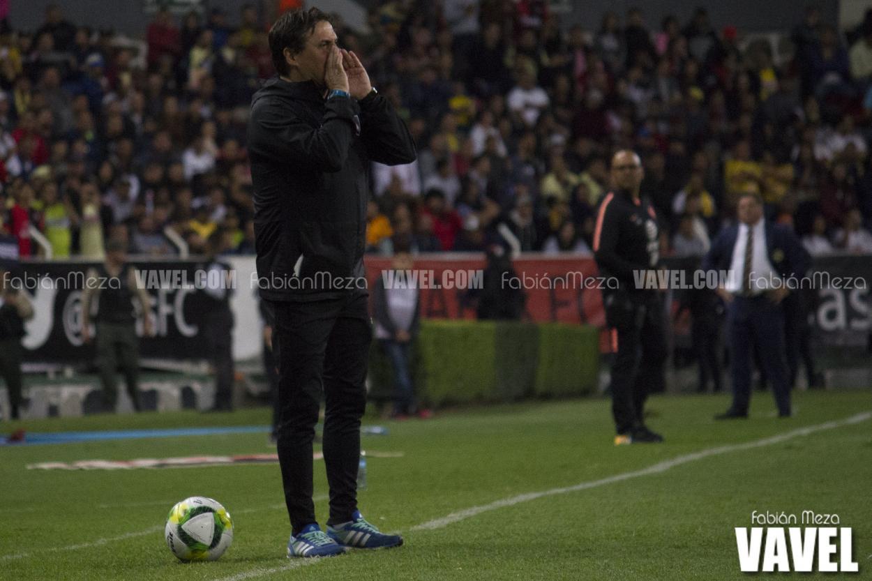 Ángel Hoyos terminó el Apertura 2018 con dos triunfos en nueve cotejos, la directiva lo respaldó para el 2019. / Foto: Fabián Meza - VAVEL