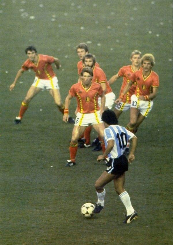 Six Belgian defenders line up to try to stop Maradona in 1986 (Pinterest)