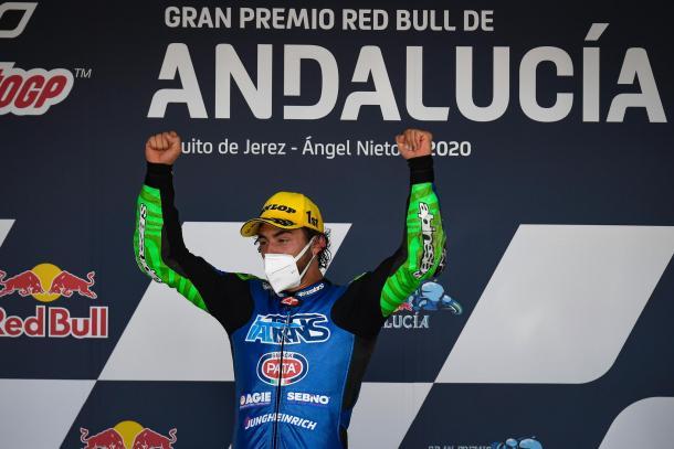 La celebración del podio de Moto2, con las nuevas medidas de seguridad. Imagen: MotoGP