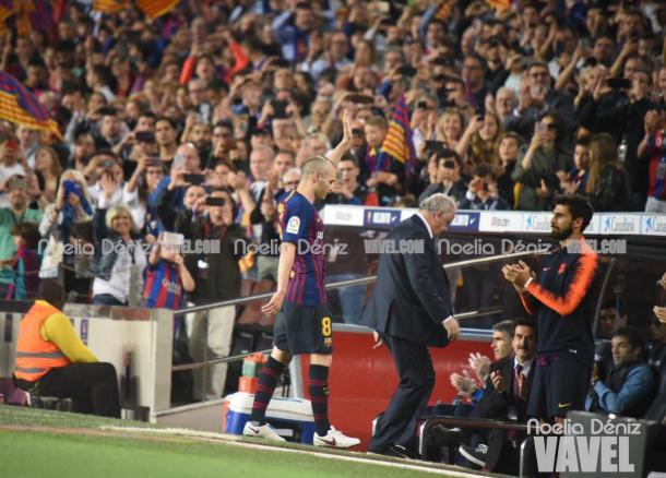Andrés Iniesta se despide del FC Barcelona | Foto: Noelia Déniz - VAVEL