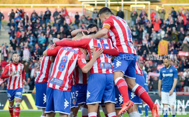 Los jugadores del Girona celebran uno de los cinco goles en la victoria frente al Getafe. | Foto: Andrea Ruiz