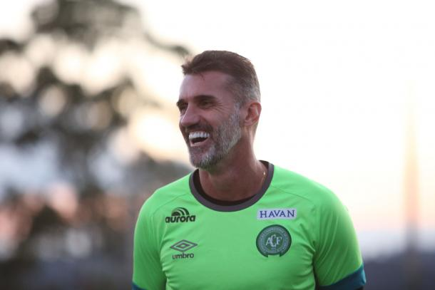 Mancini vem colhendo os frutos do trabalho com a Chapecoense, podendo ganhar dois títulos no mês de Maio. (Divulgação/Chapecoense)