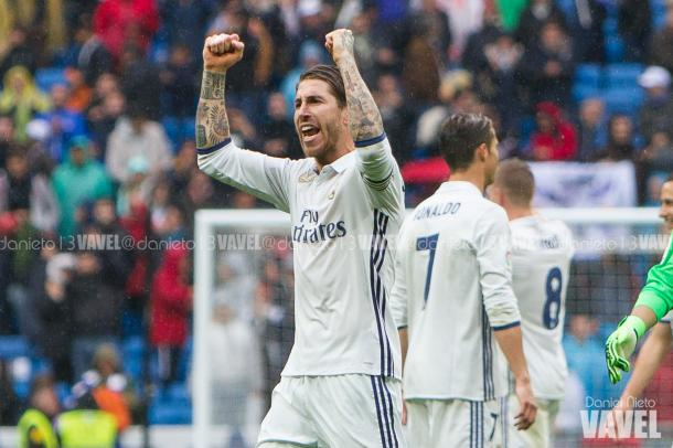 Sergio Ramos celebra tras finalizar un partido de Liga. Imagen: Daniel Nieto (VAVEL)