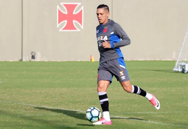 Gilberto foi titular na lateral-direita do Vasco (Foto: Divulgação/Vasco)