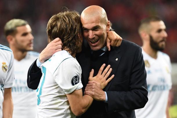 Modric y Zidane celebran el título obtenido. Fuente: UEFA Champions League.