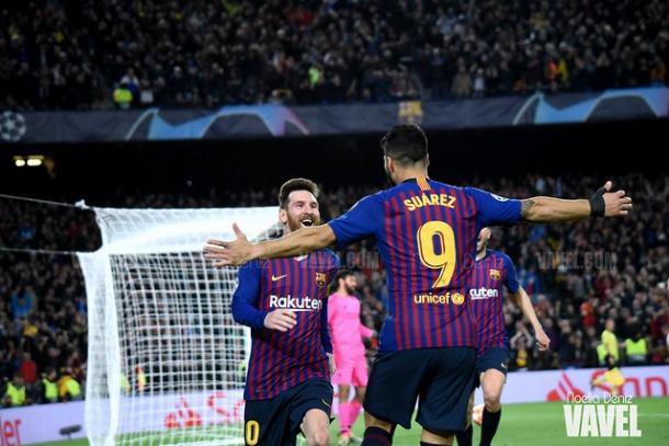 Luis Suárez celebrando el gol de Messi en el Barça - Liverpool de la ida | Fuente: Noelia Déniz (VAVEL)