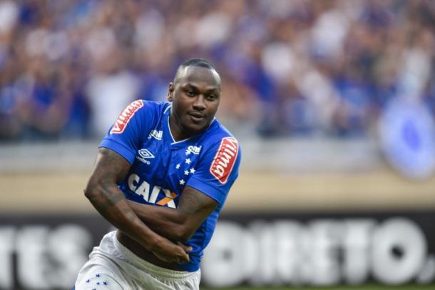 Sassá entrou e empatou o jogo para o Cruzeiro. (Foto: Maurício Farias/Cruzeiro)