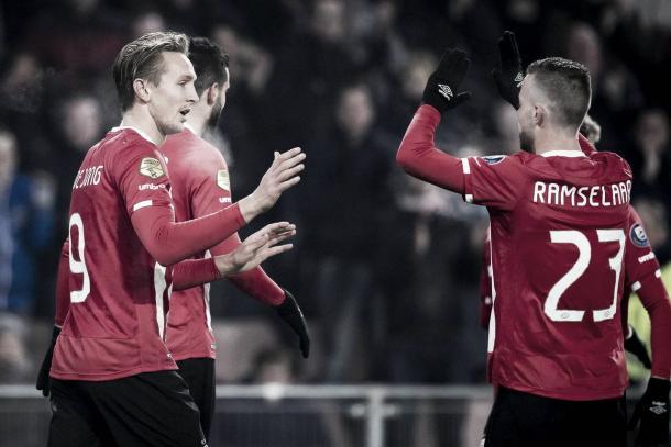 Luuk de Jong tras el gol anotado con el PSV. | Foto: PSV