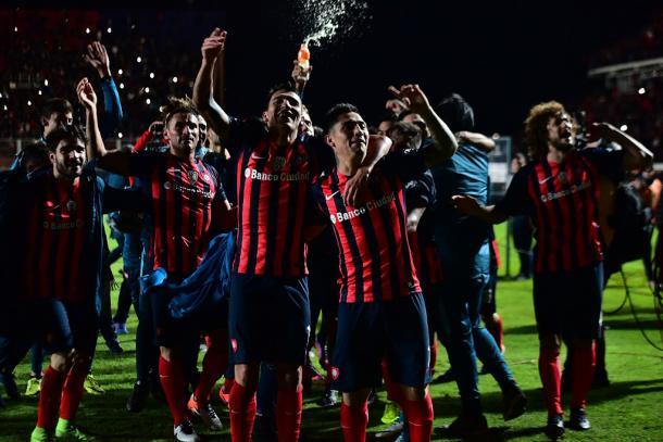 La gioia dei giocatori del San Lorenzo dopo l'incredibile rimonta col Flamengo